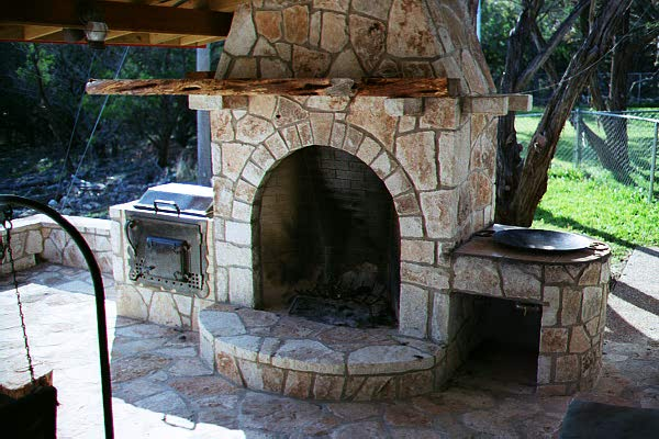 Givens Metalcrafts - Fireplaces & Patio Recreation Centers
